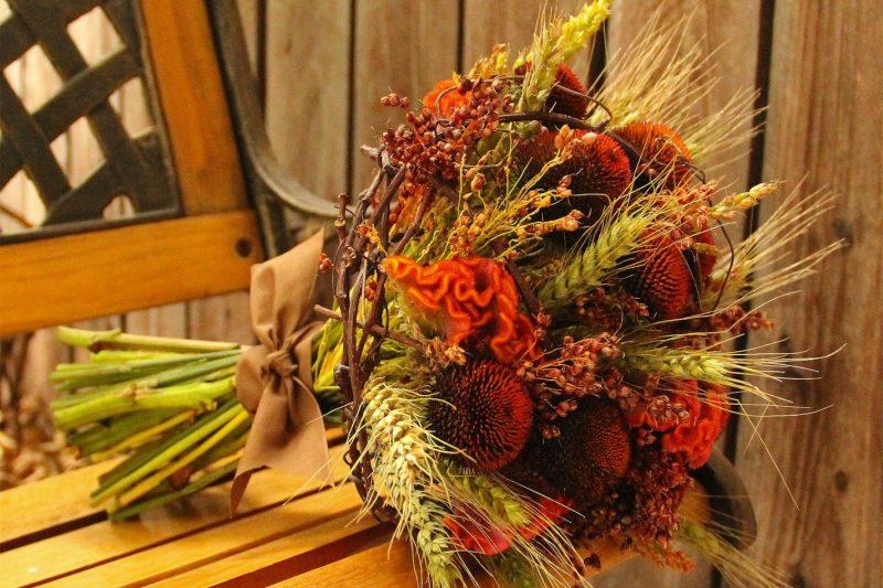 Букеты из осенних цветов своими руками фото