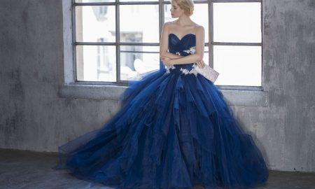 Синее свадебное платье - эффектный наряд