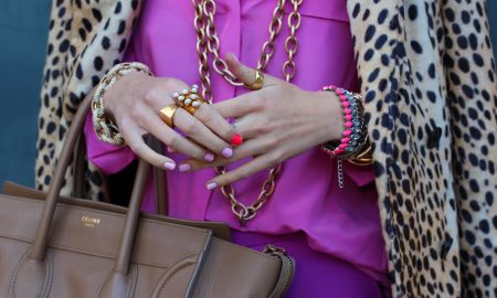 Сиреневый цвет в женском образе