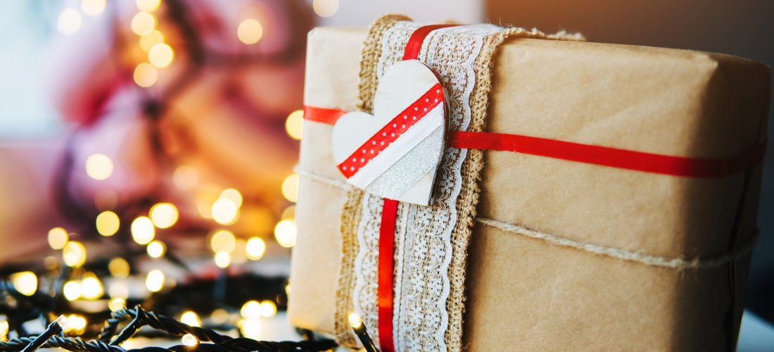10 отличных идей для упаковки подарков на Новый Год
