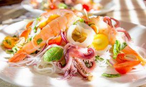 Вкуснейшие салаты к новогоднему столу - 5 рецептов для тех, кому надоел оливье