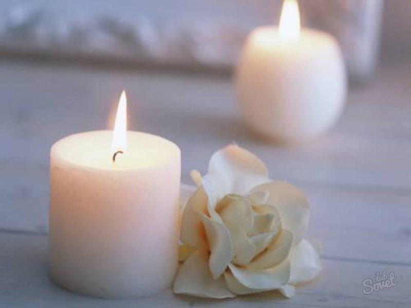 Как удалять пятна от воска свечи