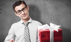 Оригинальные и креативные подарки мужчинам на 23 февраля вкладываем душу в выбор